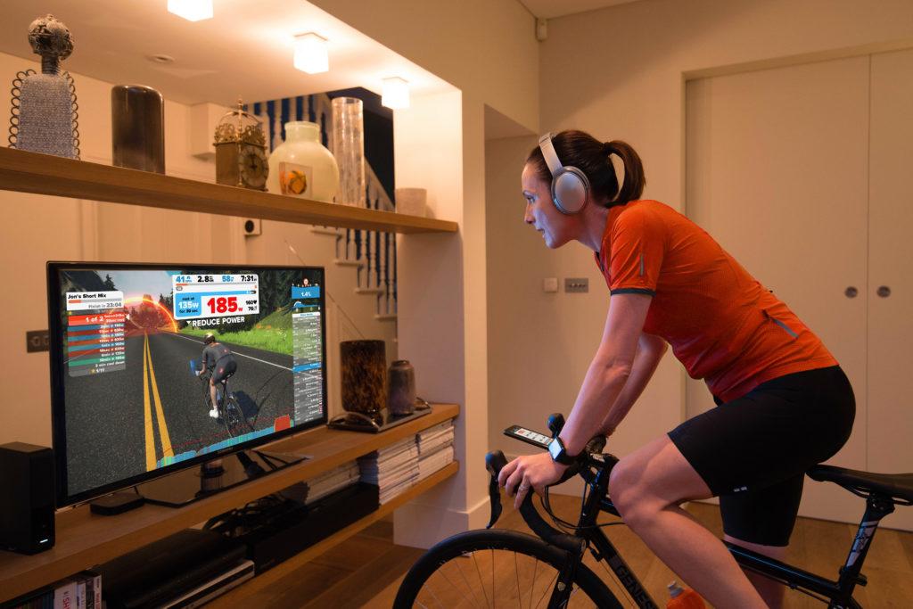 Zwift Il Virtual Trainer Per Competere E Divertirsi
